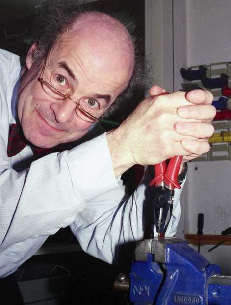 Heinz Wolff with pliers and vice 1993 - robin linhope willson